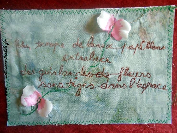 piqué libre sur une carte textile