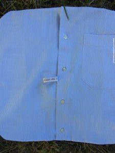 Bleu et déhoussable, le dos du coussin