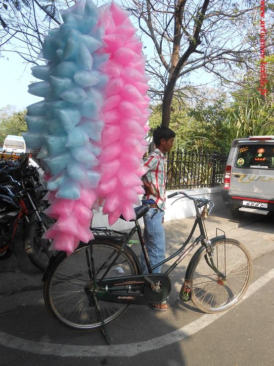 Marchand indien, à vélo: Pongal