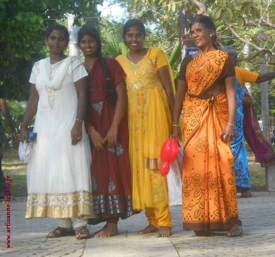 Femmes indiennes en sari de fête