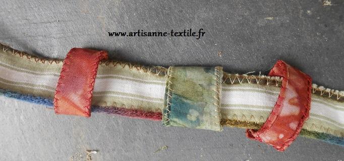 details pochette: perles de tissu