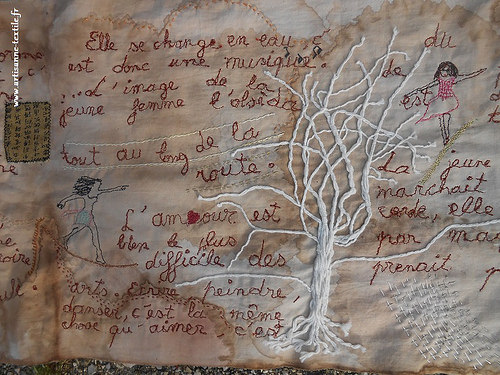 Art textile: livre rouleau Neige d'après Maxence Fermine