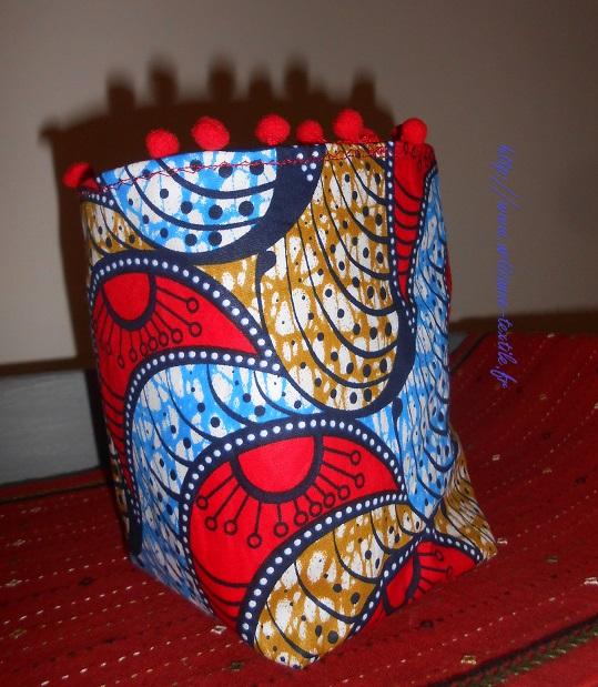 Couture 4: pour DMTM: corbeille wax et pompons