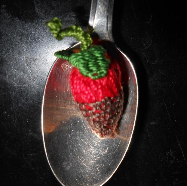 Stumpwork : fraises au chocolat