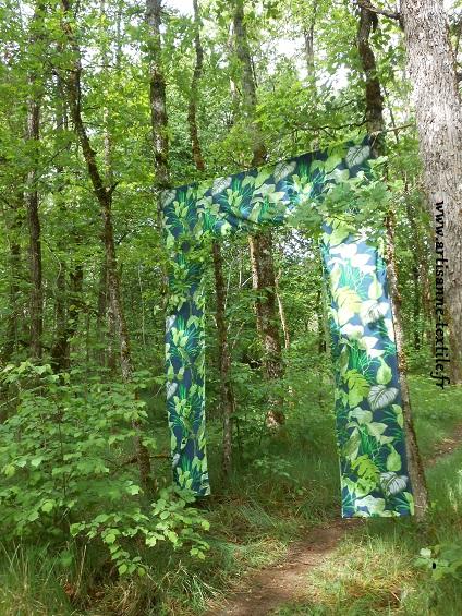 Installation textile sur le Causse de Coulaures à Sorges en Périgord