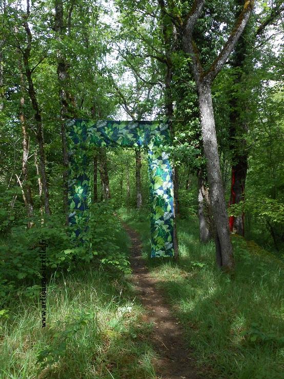 Installation textile-Sorges, Coulaures, le Périgord 2018