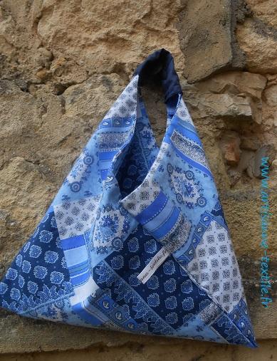 Camaïeu de bleus : le sac origami