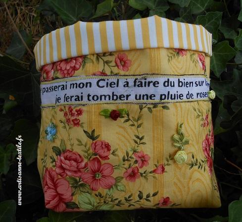 Corbeilles textiles avec pagne