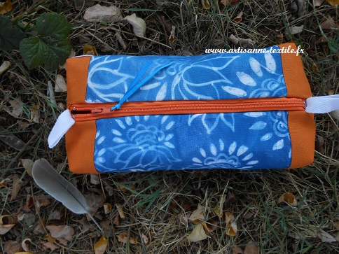 trousse à pinces et cyanotype sur tissu