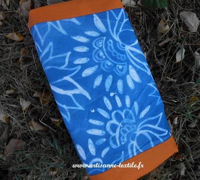 Trousse faite dans un cyanotype sur tissu