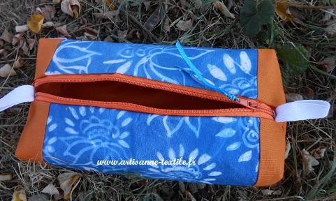 Trousse avec cyanotype-maison sur tissu, doublée de orange