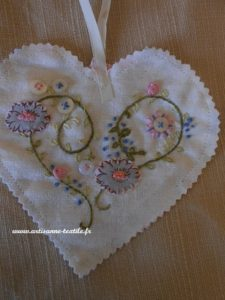 coeur brodé 1