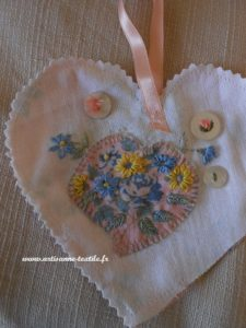 coeur brodé 2