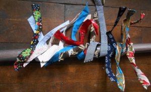 De nombreaux bandeaux textiles