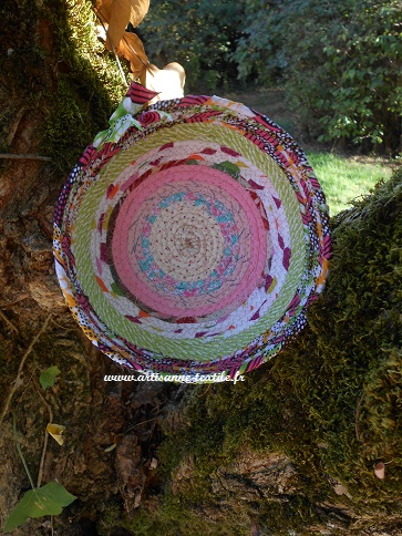 jolie lumière sur la corbeille textile 1