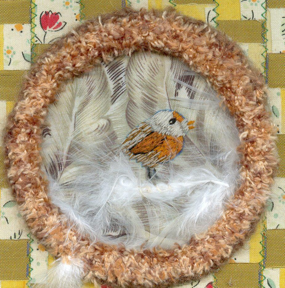 detail bird and nest
